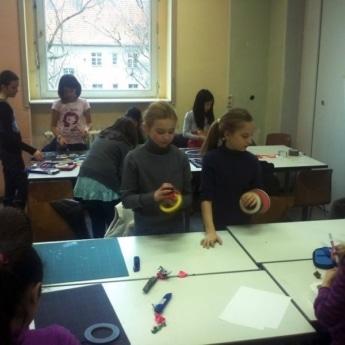 tape-art-workshop-in-5klasse-berlin-e1447851776224