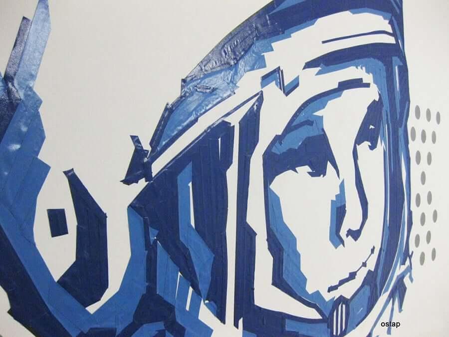 Nahaufnahme von Kosmonaut Juri Gagarin Wandportrait mit Klebeband