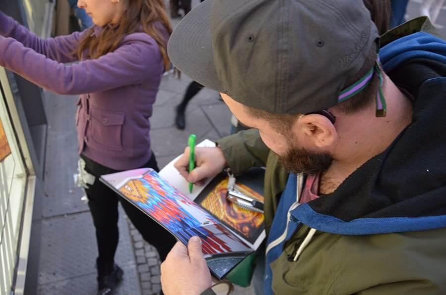Tape Artist Ostap- Autograph session