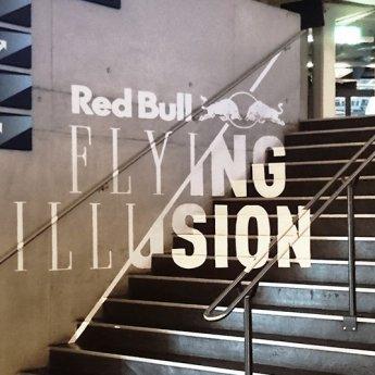 tape-art-flying-illusion-3
