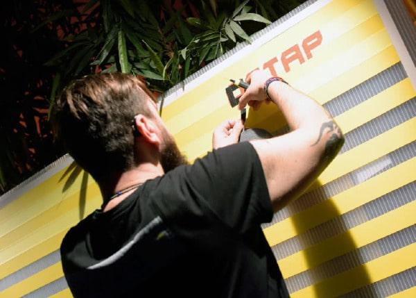 Tape artist at work-Live paintig- Dortmund 2016