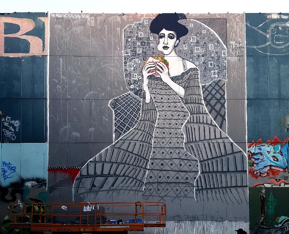 Lady in cement-Adele Bloch-Bauer with Kebab- street art by Selfmadecrew- Berlin Teufelsberg 2016