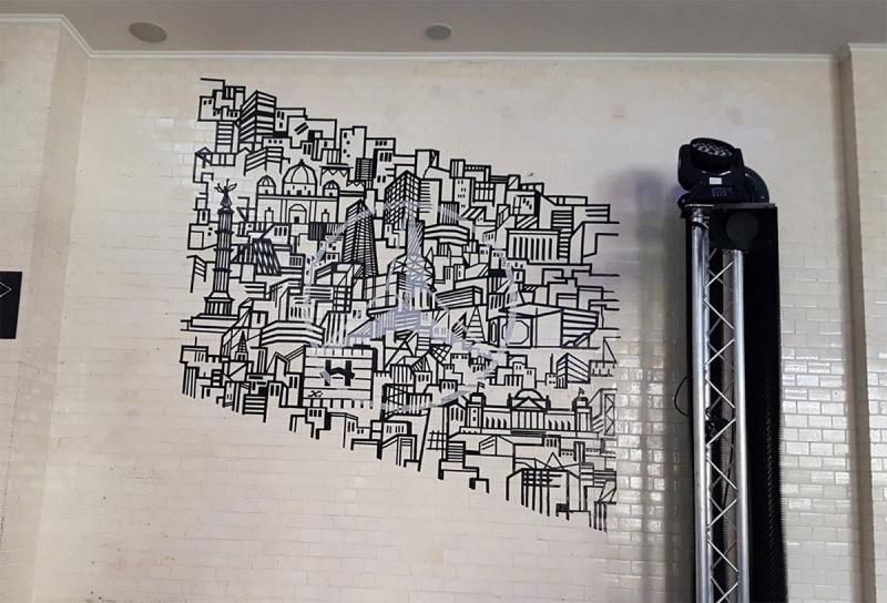 Skyline-Tape-Art-Wand-Graffiti-ein Auftrag für Mercedes und Smart