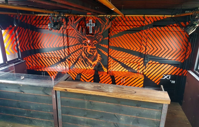 Bar mit Tape-Art verschönert- Fertiges Design-Jägermeister-Projekt