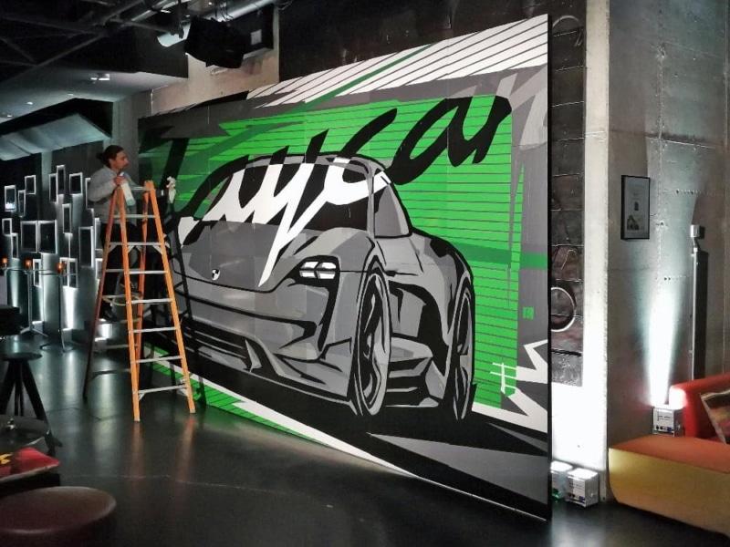 Ein vollendetes Tape-Kunstwerk. Teambuilding Workshop für Porsche AG